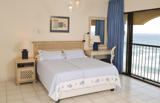 Main Bedroom with Sea view, 802 Bermudas